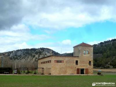 Fuentona y Sabinar de Calatañazor;viajes con encanto villanueva de avila los oscos viajes organizad